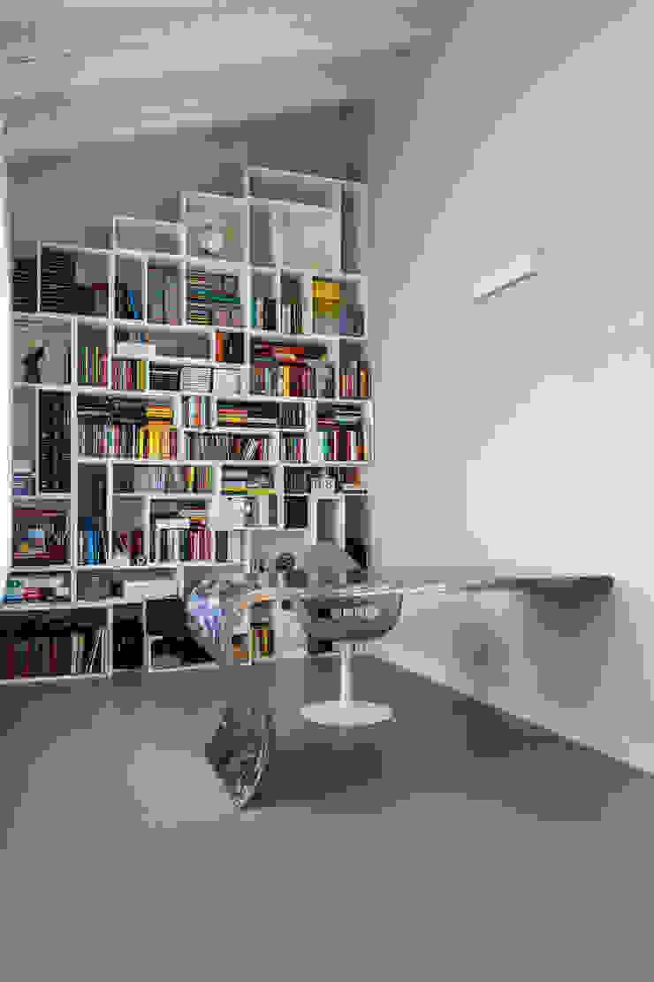 Modern study/office by Elia Falaschi Fotografo Modern