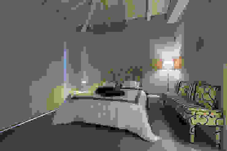 Modern style bedroom by Elia Falaschi Fotografo Modern