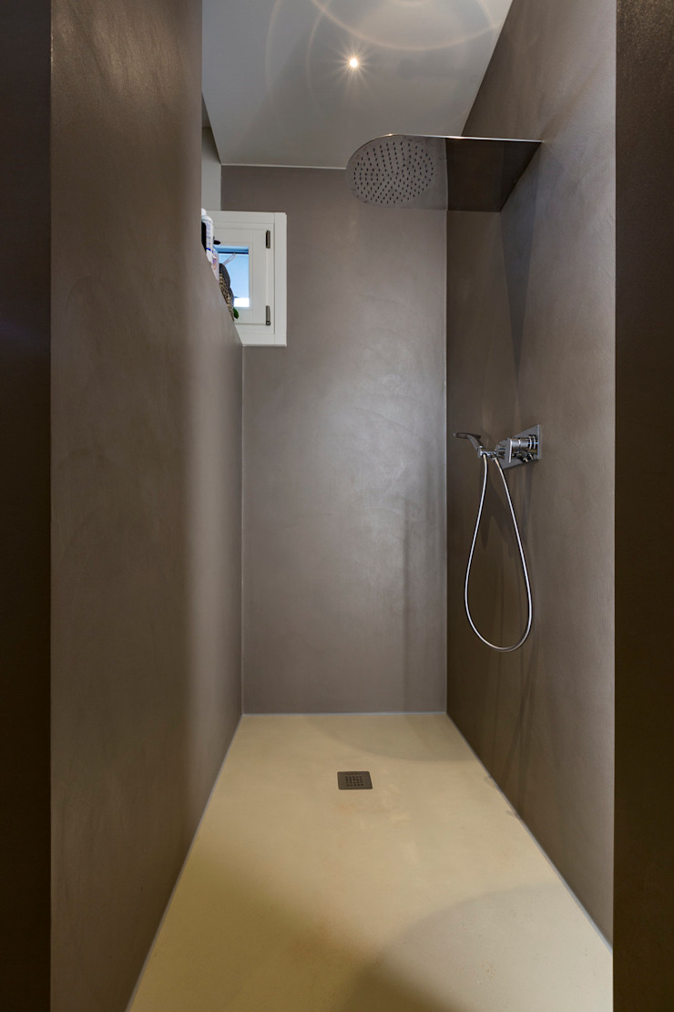 Modern bathroom by Elia Falaschi Fotografo Modern