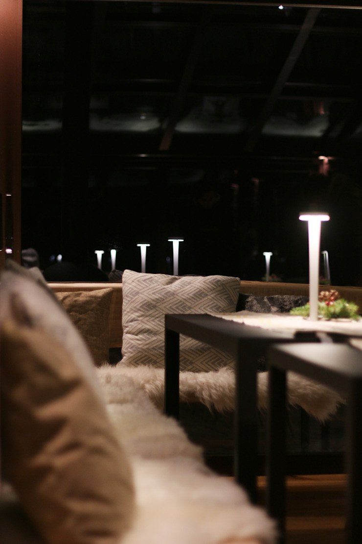 Minimalist hotels by archstudiodesign Minimalist Glass