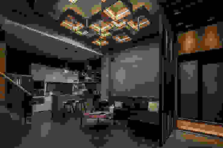流光 现代客厅設計點子、靈感 & 圖片 根據 漢玥室內設計 現代風 水泥