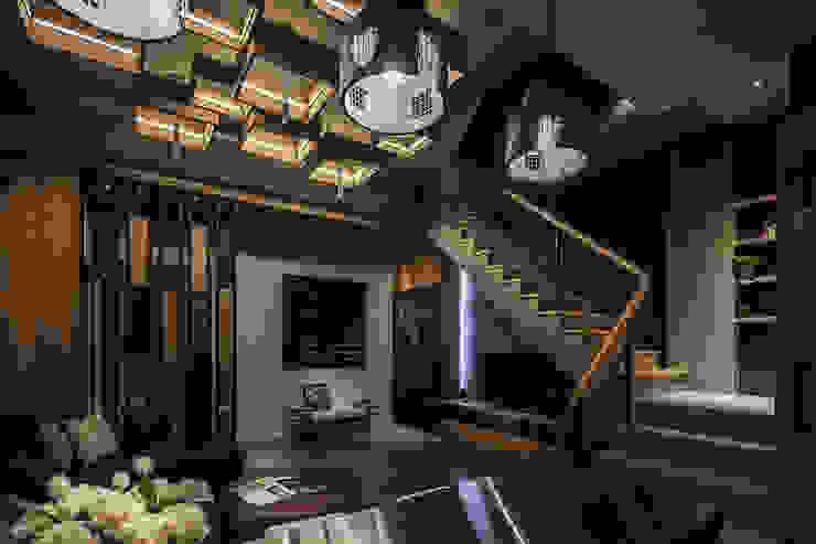 流光 现代客厅設計點子、靈感 & 圖片 根據 漢玥室內設計 現代風 木頭 Wood effect