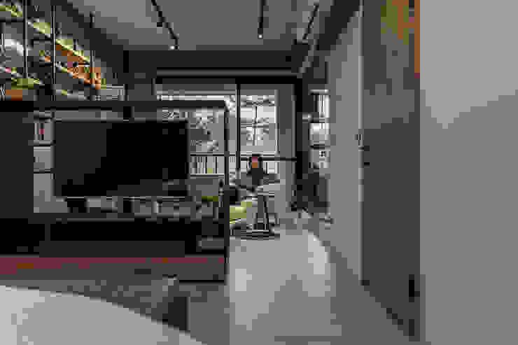 Modern style bedroom by 漢玥室內設計 Modern Wood-Plastic Composite