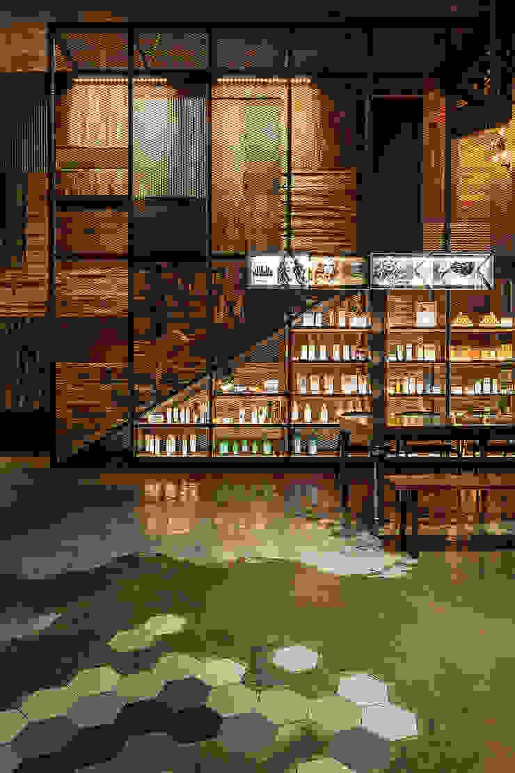 醒目的展示櫃 根據 漢玥室內設計 工業風 大理石