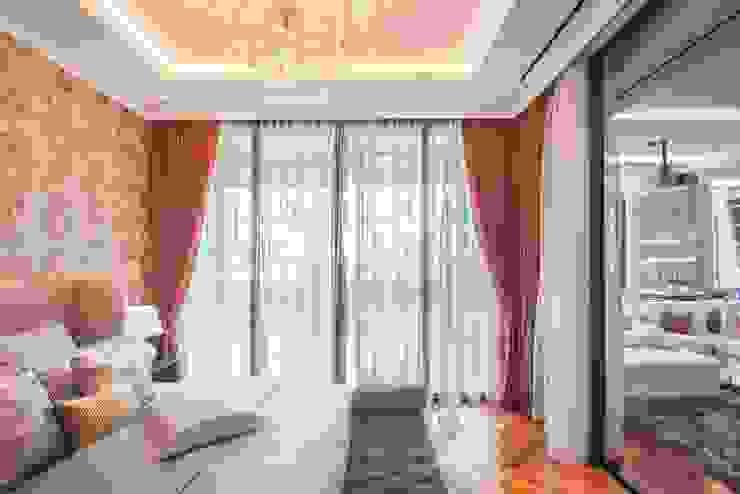Modern style bedroom by PT. Dekorasi Hunian Indonesia (DHI) Modern