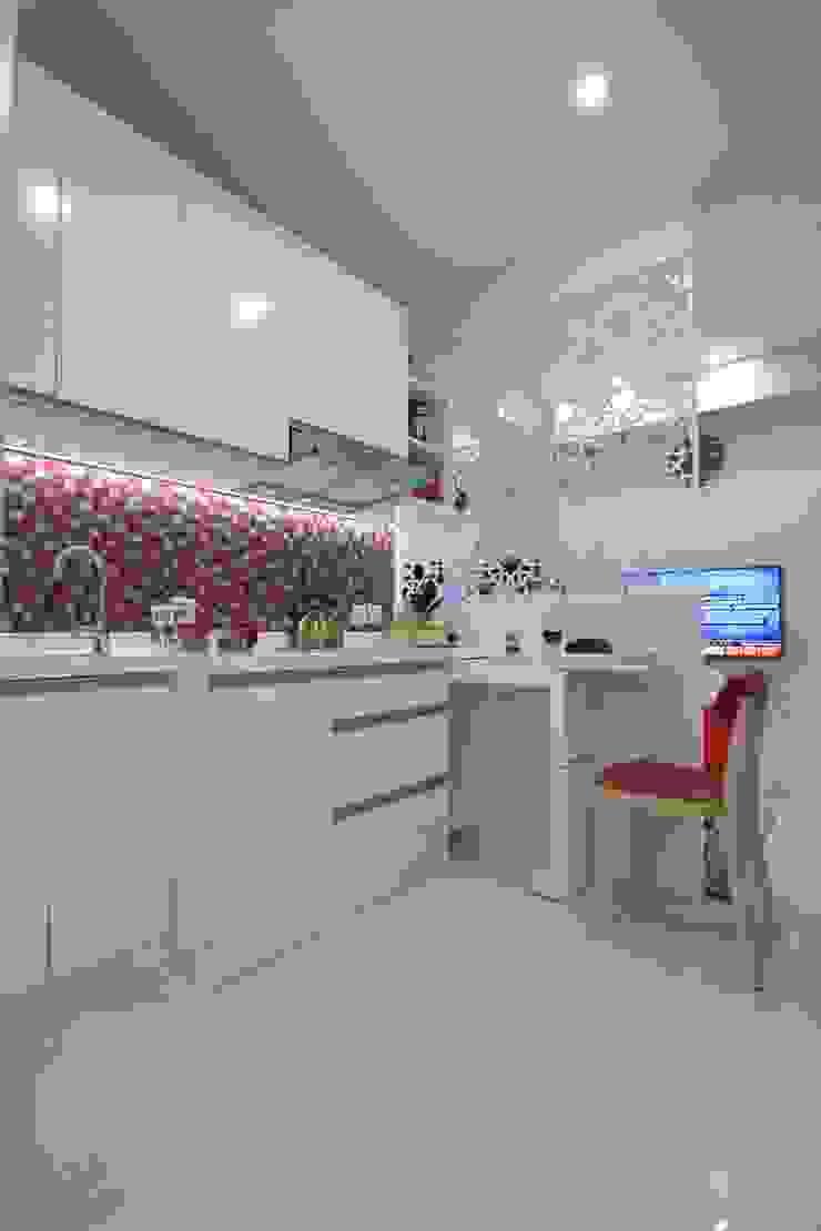 Dapur Dapur Modern Oleh PT. Dekorasi Hunian Indonesia (DHI) Modern