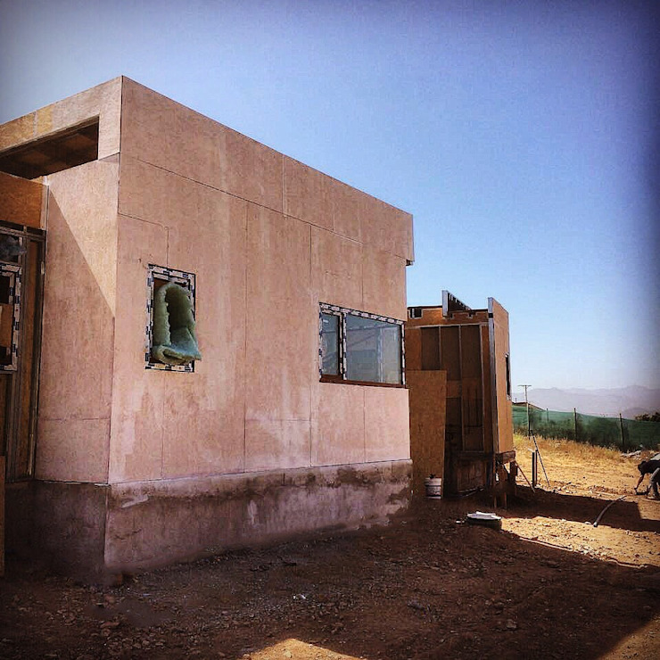 Proceso Instalación Piedra Reconstituida Construcción Vivienda Premium 115m2 Fundo Loreto. Territorio Arquitectura y Construccion - La Serena Casas unifamiliares Tablero DM