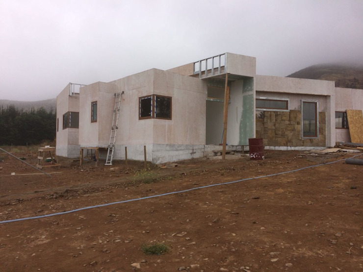 Proceso Instalación Piedra Reconstituida Vivienda Premium 115m2 Fundo Loreto. Territorio Arquitectura y Construccion - La Serena Casas unifamiliares Tablero DM