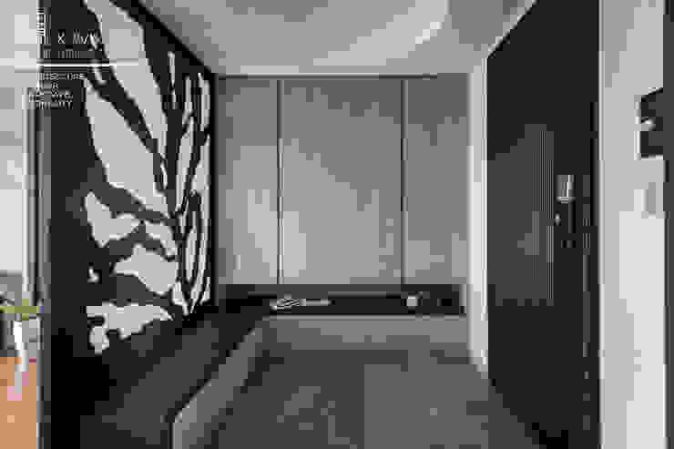 百玥空間設計 ─ 思/靜 ─ 玄關 隨意取材風玄關、階梯與走廊 根據 百玥空間設計 隨意取材風 實木 Multicolored