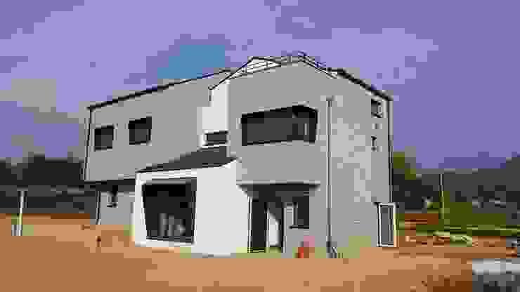 진원면 단독주택 모던스타일 주택 by 인우건축사사무소 모던 철근 콘크리트