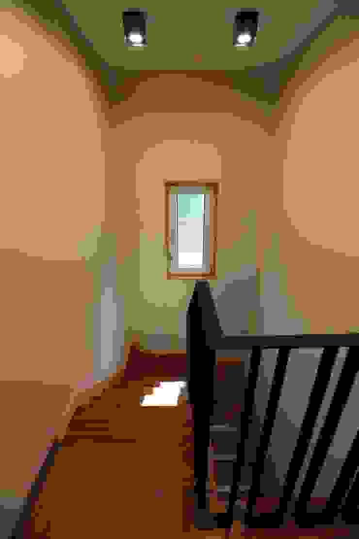 계단실 by 지성하우징