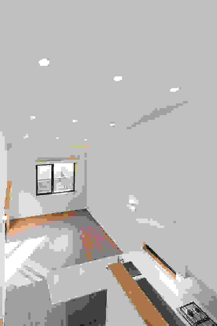 상상재 _ 청라 단독주택 모던스타일 거실 by 디자인랩 소소 건축사사무소 모던