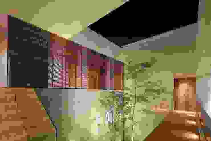 HNN HOUSE Paredes y pisos modernos de Hernandez Silva Arquitectos Moderno