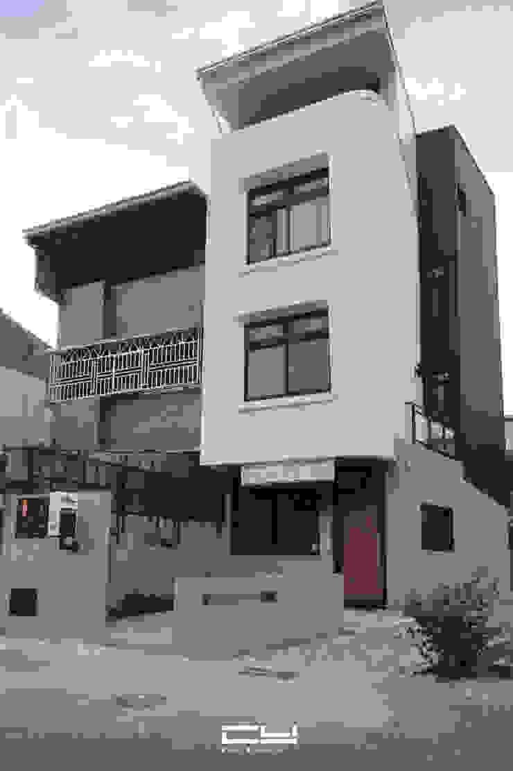 台南市安平區/老宅翻修/黑白之間 根據 臣月空間工程 簡約風 水泥