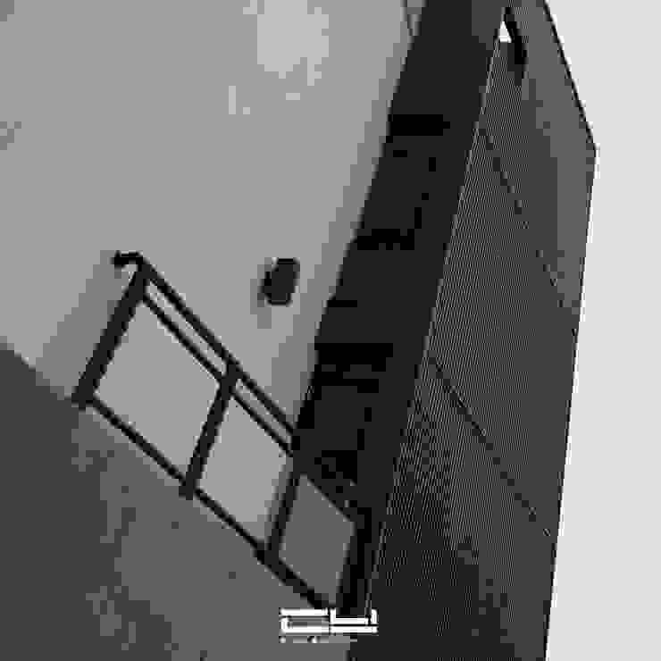 台南市安平區/老宅翻修/黑白之間 根據 臣月空間工程 簡約風 鐵/鋼