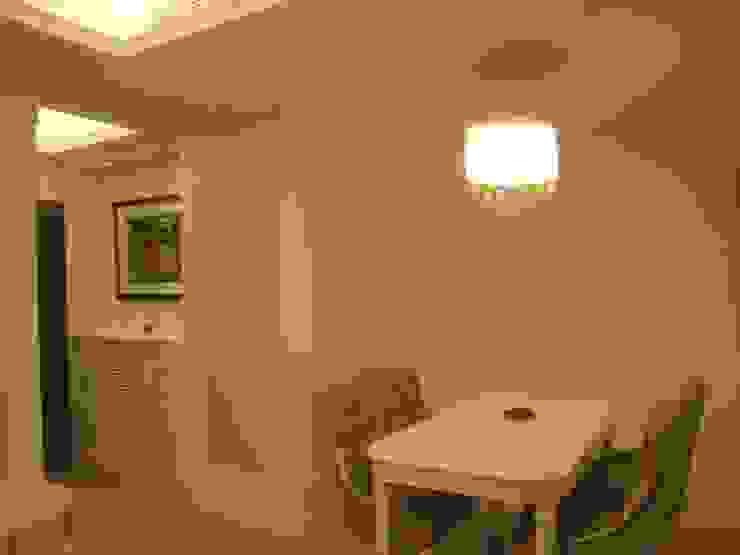 汐止 现代客厅設計點子、靈感 & 圖片 根據 Joy Full Interior Designer 佐輔室內裝修 現代風 塑木複合材料