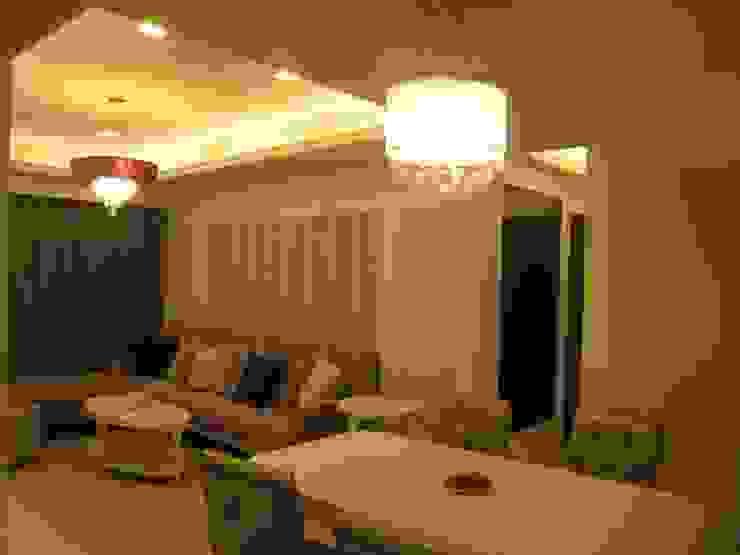 汐止 现代客厅設計點子、靈感 & 圖片 根據 Joy Full Interior Designer 佐輔室內裝修 現代風 大理石