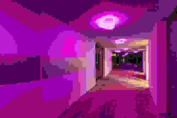 Stone Rgb Led Hoteles de estilo moderno de Alma Light Moderno