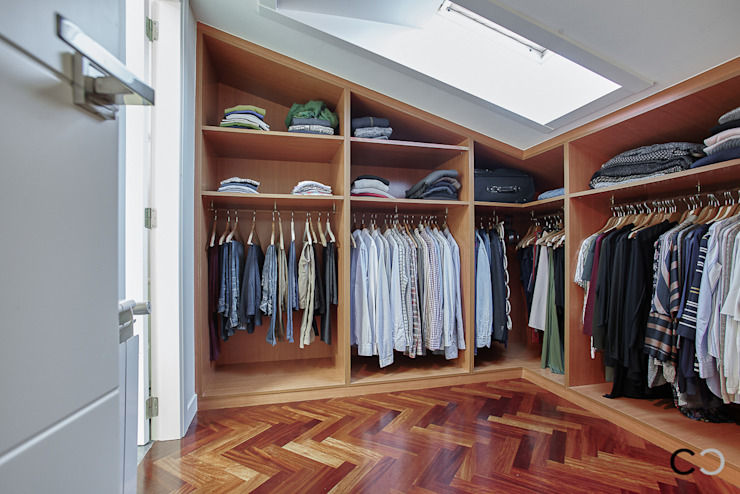 VESTIDOR Closets de estilo moderno de CCVO Design and Staging Moderno
