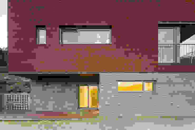 사룡리 아름이네 집 모던스타일 주택 by 서가 건축사사무소 모던