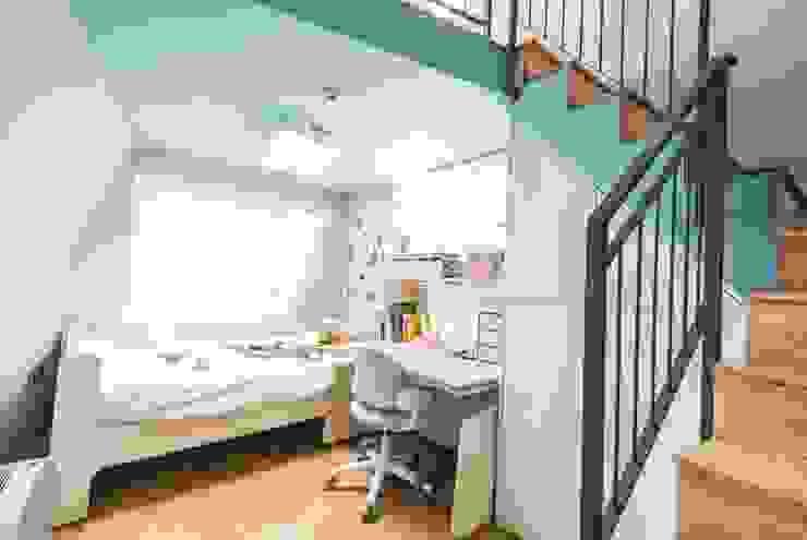 근린생활시설 단독주택 모던스타일 미디어 룸 by 집으로 모던