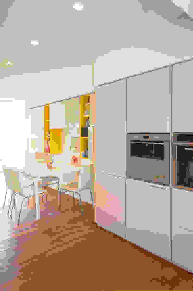 Moderne Esszimmer von Fabiola Ferrarello architetto Modern