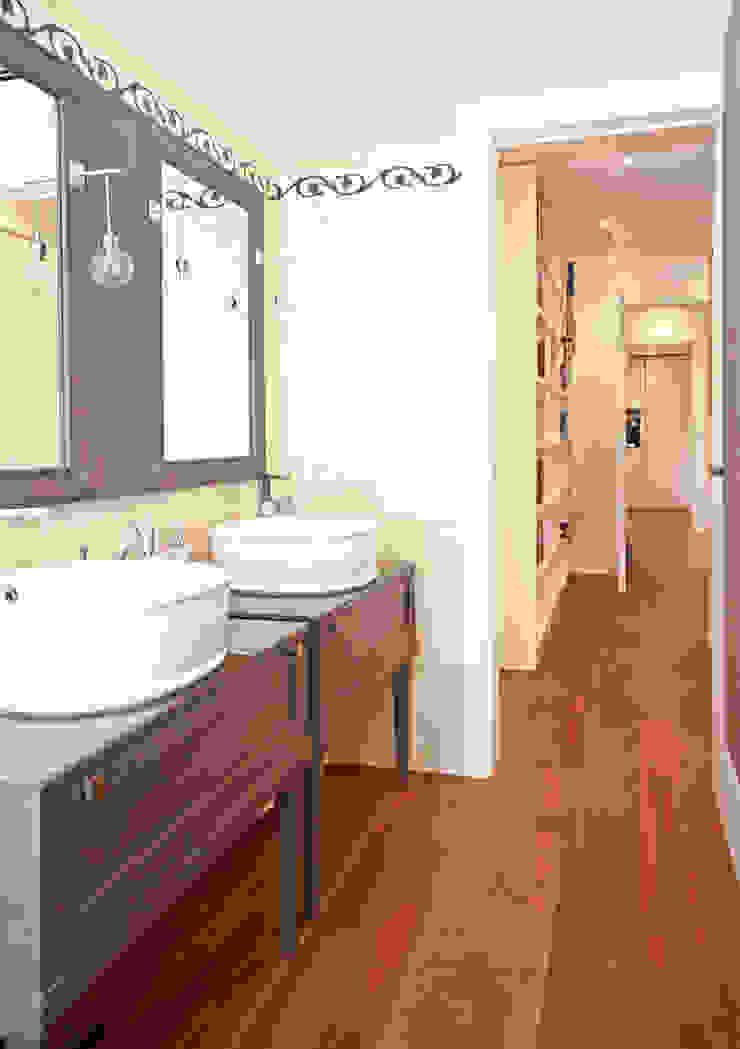 Moderne Badezimmer von Fabiola Ferrarello architetto Modern