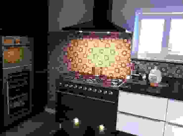 Gạch trong bếp - Kitchen tiles bởi Secoin Corporation Hiện đại