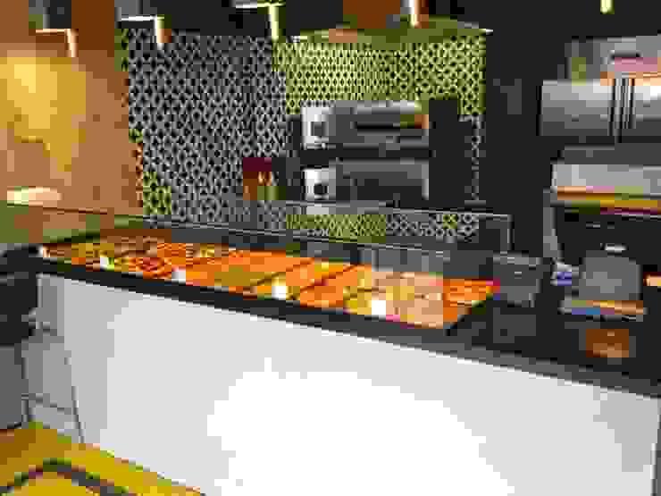 Gạch trong bếp – Kitchen tiles bởi Secoin Corporation Hiện đại