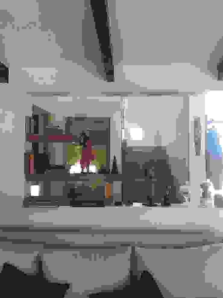 Modern Living Room by AtelierStudio Modern