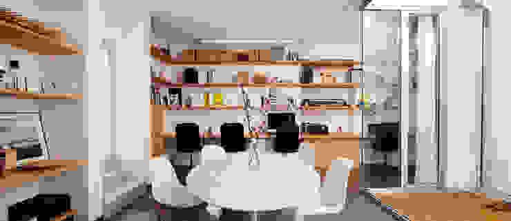 sala da pranzo / riunioni manuarino architettura design comunicazione Studio minimalista OSB