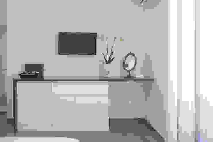 Mobile toilette manuarino architettura design comunicazione Camera da letto moderna Legno Bianco