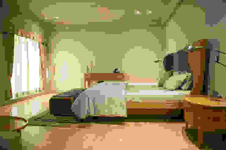 Bedroom 2 : view 1 Modern style bedroom by DESIGNER'S CIRCLE Modern