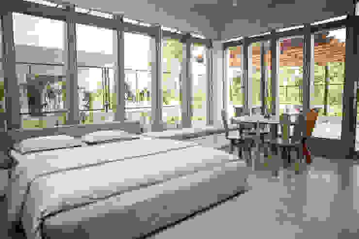 Bedroom 5 Modern style bedroom by DESIGNER'S CIRCLE Modern