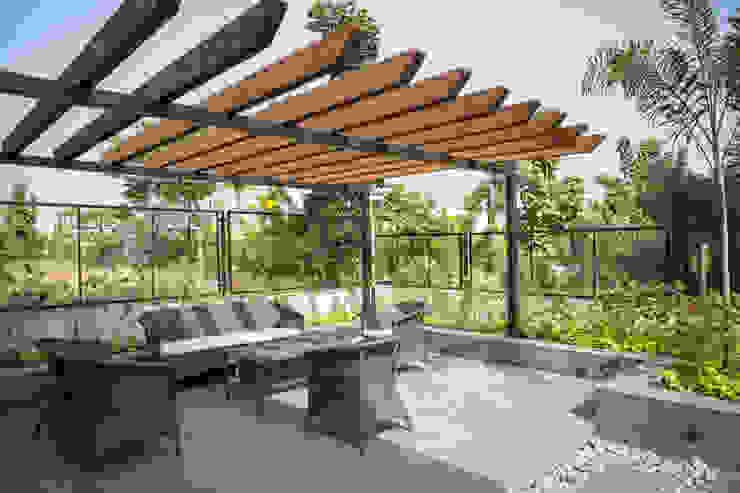 Landscape seating by DESIGNER'S CIRCLE Modern