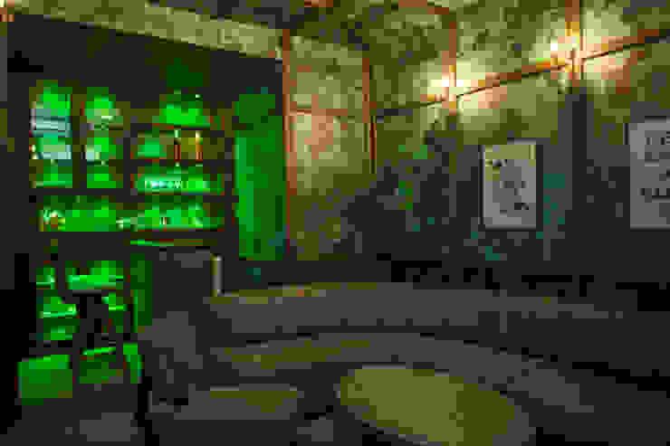 Bar lounge Modern wine cellar by DESIGNER'S CIRCLE Modern