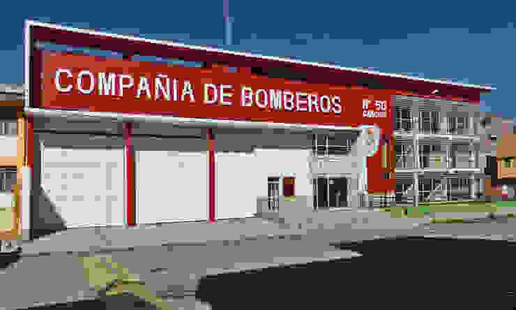 Estación de Bomberos en Sicuani de CARLOS SOTO ARQUITECTO