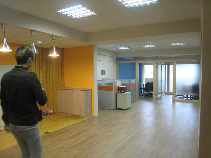好時光公司 根據 Joy Full Interior Designer 佐輔室內裝修 現代風