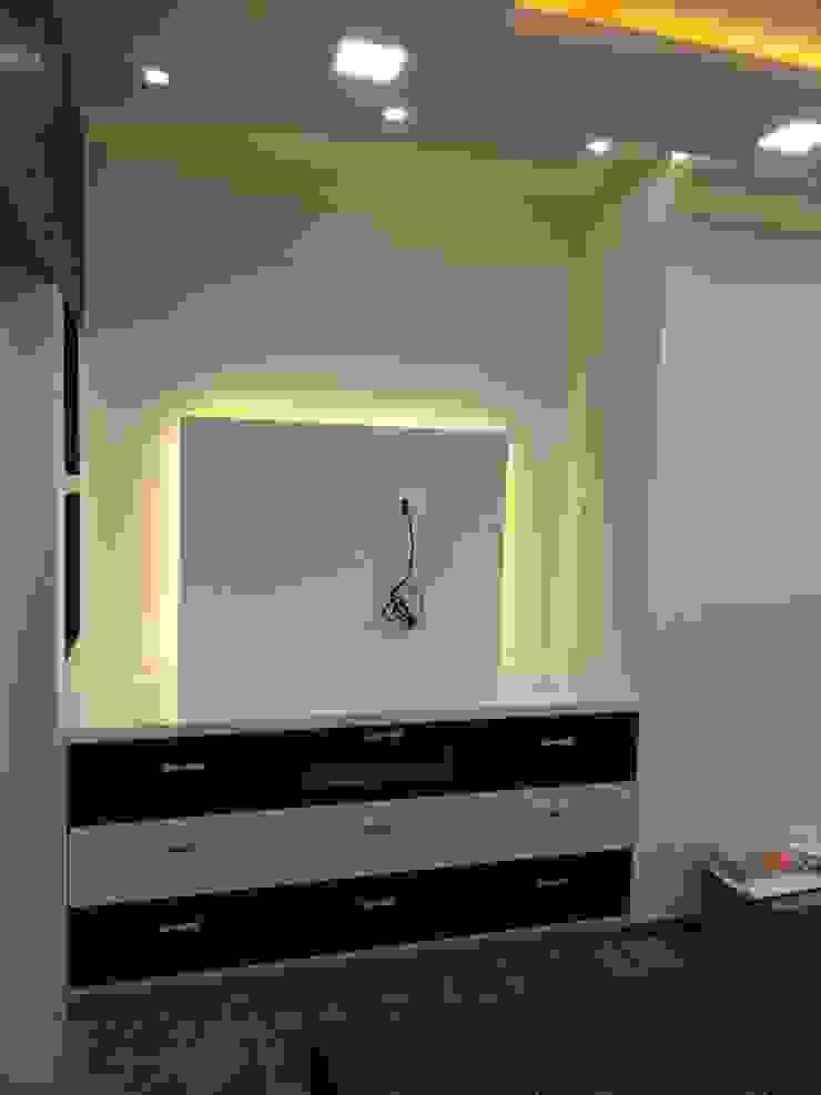 tv unit bedroom Modern style bedroom by KUMAR INTERIOR THANE Modern