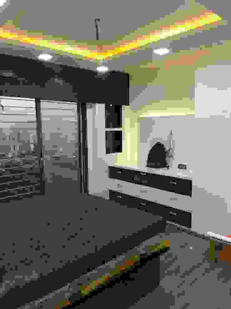 tv unit design bedroom Modern style bedroom by KUMAR INTERIOR THANE Modern