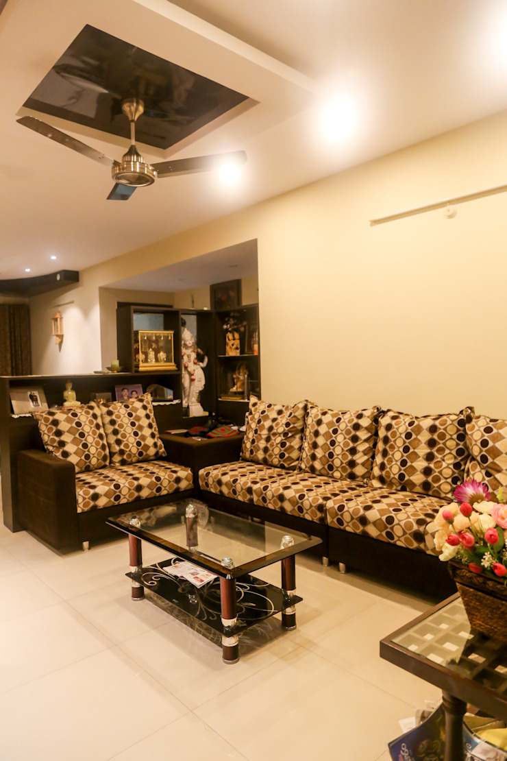 Mr. Kishan InduFortuneCity Modern living room by Ghar Ek Sapna Interiors Modern