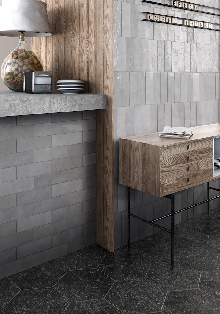 Equipe Ceramicas Mediterranean style corridor, hallway and stairs Ceramic Grey