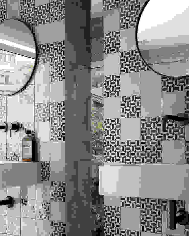 Equipe Ceramicas Mediterranean style bathroom Ceramic White