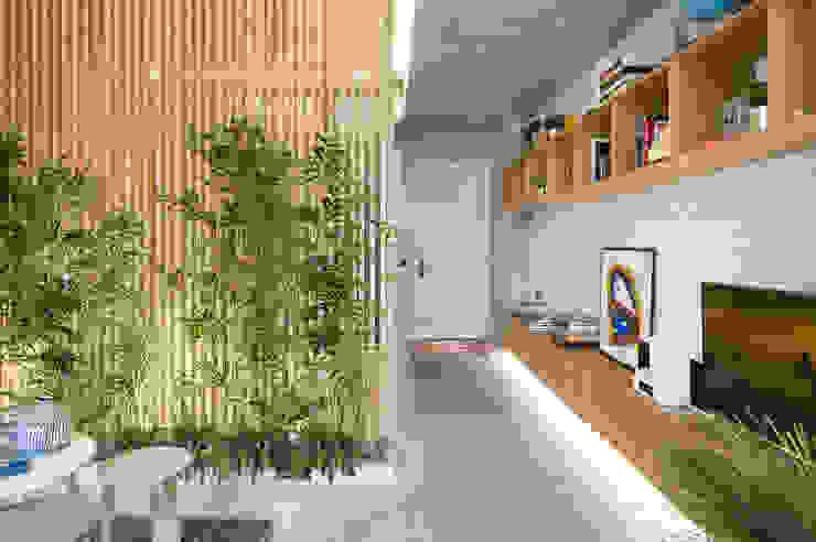 Corridor, hallway by Egue y Seta,