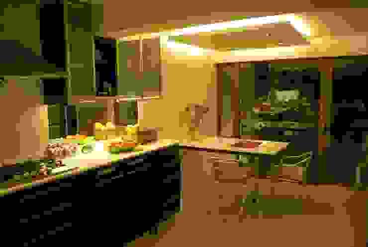 Cocina Dra Behm, Vitacura Cocinas de estilo moderno de Selica Moderno