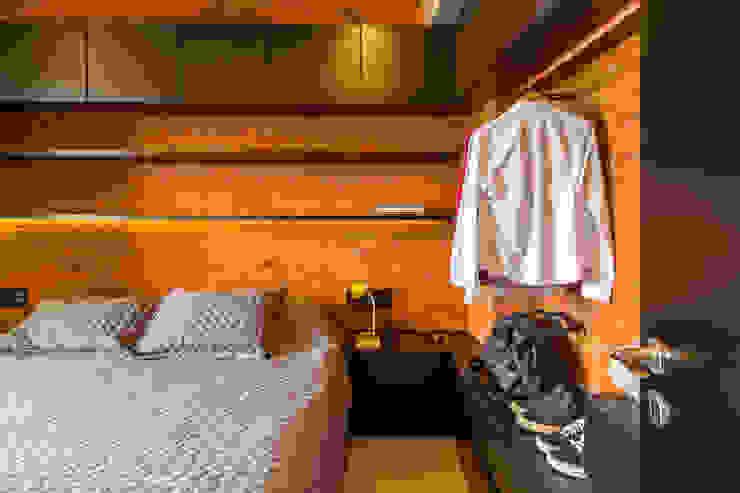 Phòng ngủ phong cách công nghiệp bởi Aptar Arquitetura Công nghiệp