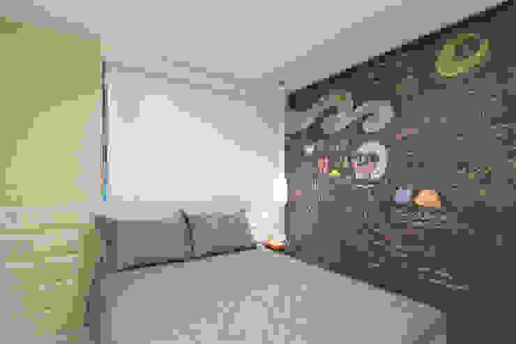 ESTUDIO NOI ARQUITETURA Teen bedroom Blue