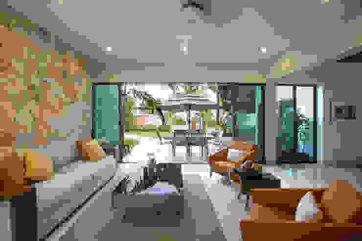 by Heftye Arquitectura Modern Limestone