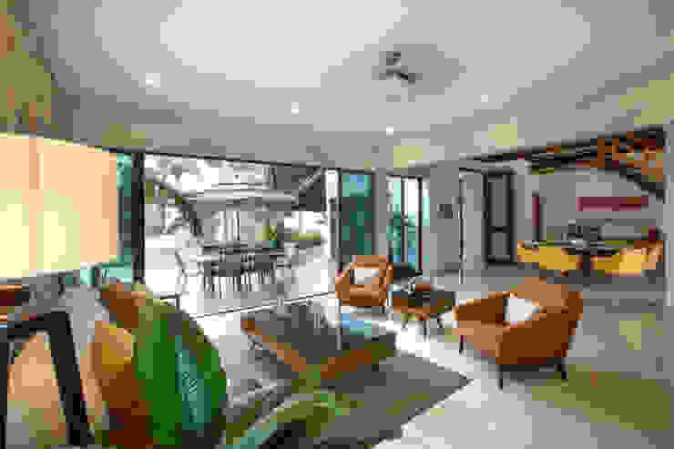 Salas de estar  por Heftye Arquitectura