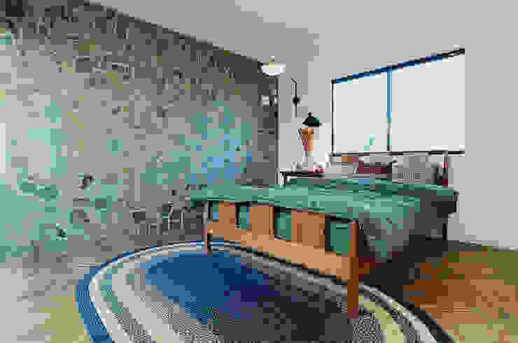 アメリカンヴィンテージの家 オレンジハウス 寝室ベッド&ヘッドボード